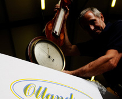 Ollands fine arts and antique removals